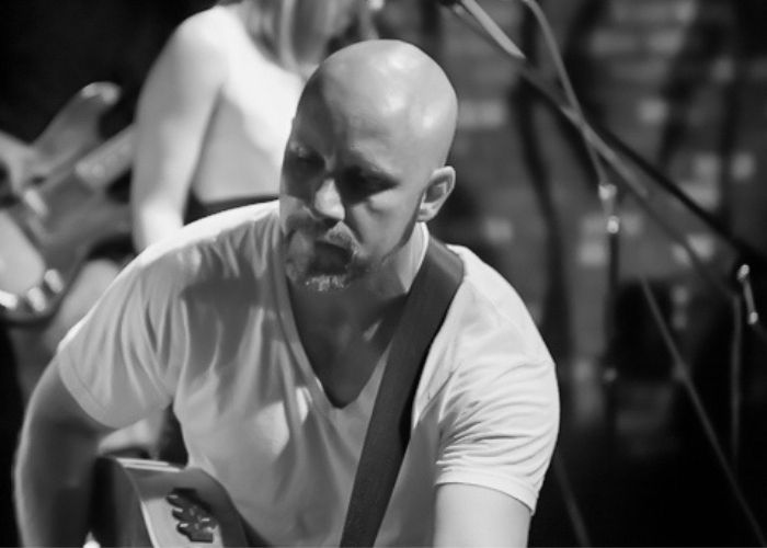 Matthew Moran playing live with band image